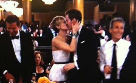 Nicholas Hoult and Jennifer Lawrence Kiss!!!