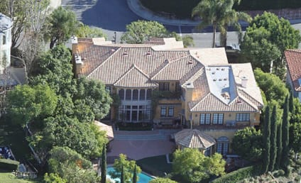 Charlie Sheen Puts Mansion on the Market