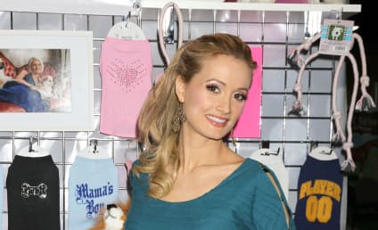 Holly Madison Speaks on Pregnancy, Cravings