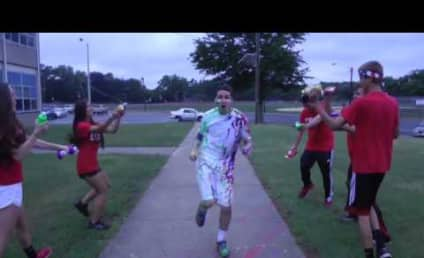 High School Students Shake It Off, Lip Dub to Taylor Swift