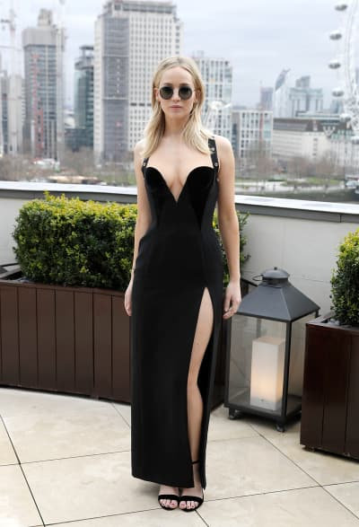 Jennifer Lawrence Dazzles