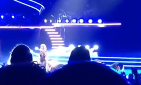 Britney Spears Tells Off Fan in Concert