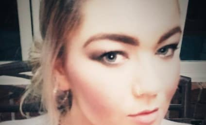 Amber Portwood Debuts Baby Bump in Sweet New Family Photo