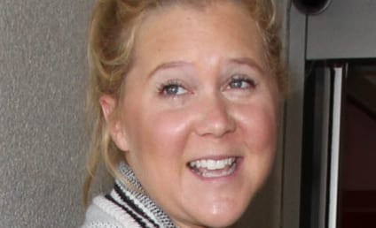 Amy Schumer Goes Makeup-Free; Internet Goes Nuts