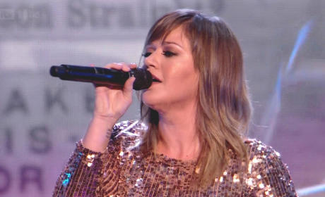 Kelly Clarkson on The X Factor