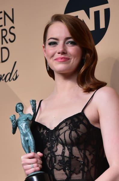 Emma Stone Holds SAG Awards