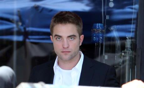Robert Pattinson on the Set