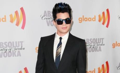 Adam, Posing