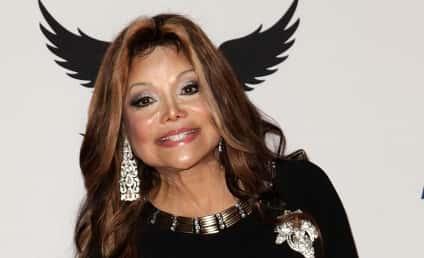 La Toya Jackson Calls For Family Truce