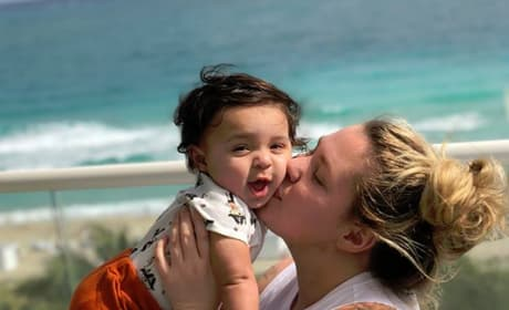 Kailyn Lowry and Lux at the Beach