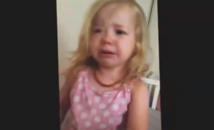 """Dad Plays """"I Got Your Nose"""" With Daughter, Little Girl Begs For Its Return"""