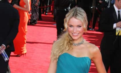 Emmy Awards Fashion Face-Off: Katrina Bowden vs. Hayden Panettiere