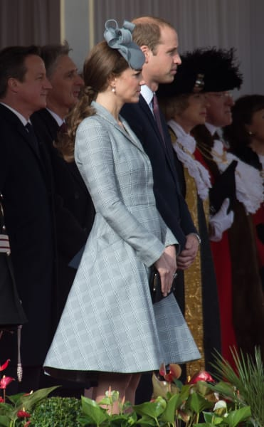 Kate Middleton Wardrobe Malfunction Reportedly Angers Queen ...