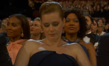 Amy Adams Checks Phone During Oscars: Yeah, Even Nominees Get Bored