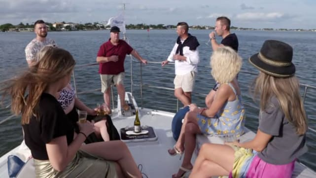 Chuck Potthast teilt Rv-Roadtrip-Pläne auf einer Yacht