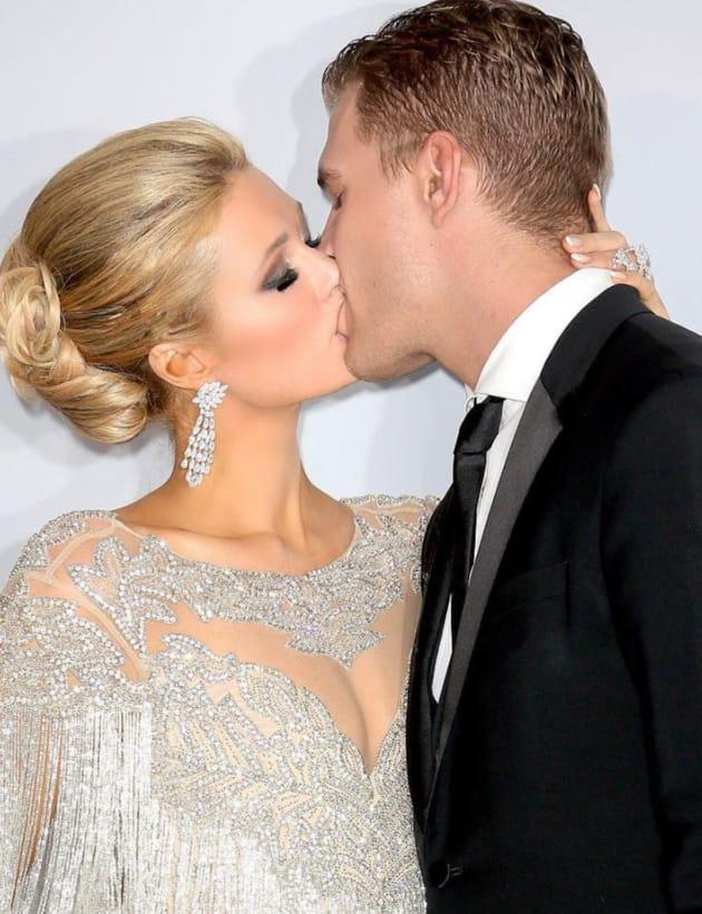 Chris Zylka Kisses Paris Hilton