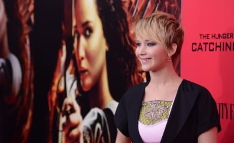 Jennifer Lawrence in Front of Photographers