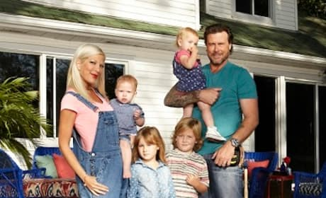 Tori Spelling, Dean McDermott, and Family