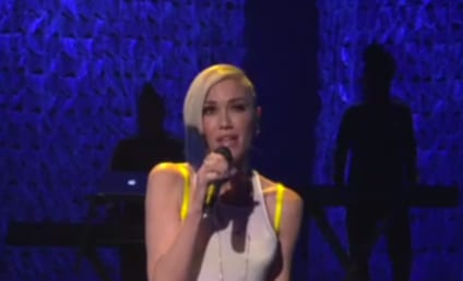 """Gwen Stefani Performs """"Used to Love You"""" on Ellen"""