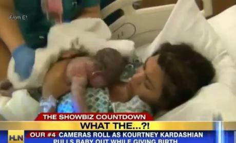 Kourtney Kardashian Gives Birth