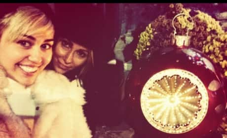 Miley Cyrus and Mom: Happy Holidays!