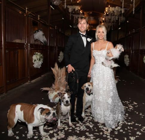 e07488fb2d4 Kaley Cuoco Shares Doggone Hilarious Wedding Photo! - The Hollywood ...