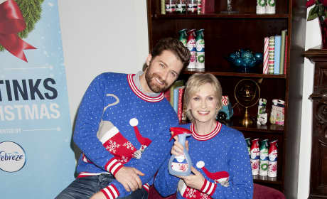Matthew Morrison and Jane Lynch: Febreze's 12 Stinks of Christmas