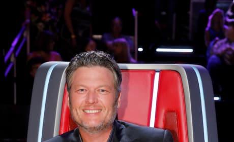 Blake Shelton Smiles on The Voice