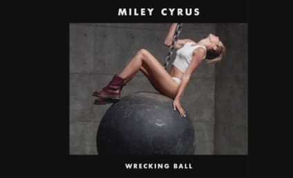 """Miley Cyrus Releases Acoustic Version of """"Wrecking Ball"""""""