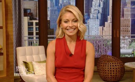Kelly Ripa, All Smiles