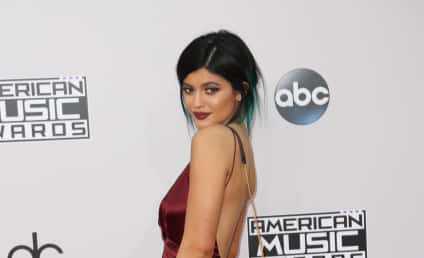 Kylie Jenner: Plastic Surgeon Confirms Butt Lift!