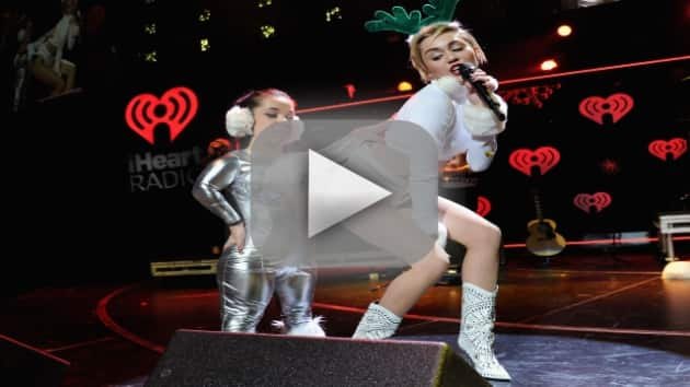 "Miley Cyrus - ""Wrecking Ball"" (Hot 99.5 Jingle Ball)"