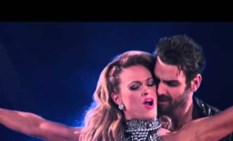 Nyle DiMarco and Peta Murgatroyd - DWTS Premiere