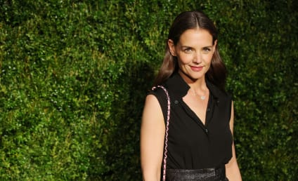 Katie Holmes Goes Makeup Free, Remains Stunning