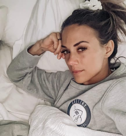 Jana Kramer in Bed