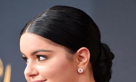 Ariel Winter 2016 Emmy Awards Close Up Pic