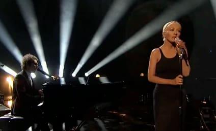 """Christina Aguilera, A Great Big World Perform """"Say Something"""" at AMAs"""