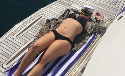 Kelly Osbourne Bikini Photo: Lookin' Amazing!