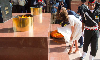 Kate Middleton Suffers Upskirt, Remains Calm
