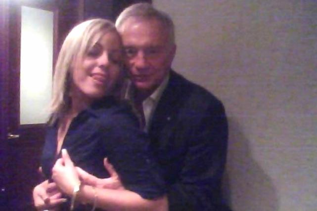 Jerry jones gropes woman