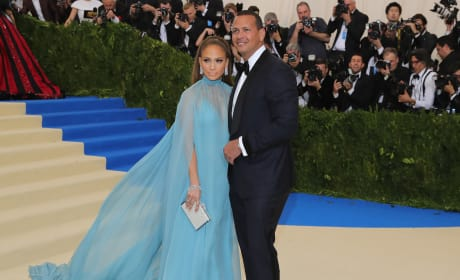 MET Gala 2017: Who Coupled Up?