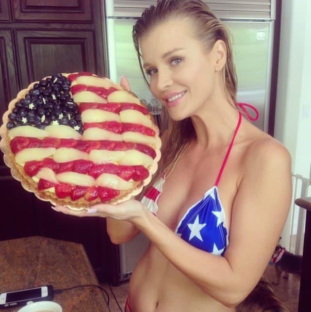Joanna krupa loves america