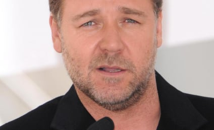 Russell Crowe, Martha Stewart Come Together in the Name of Turkey Killing