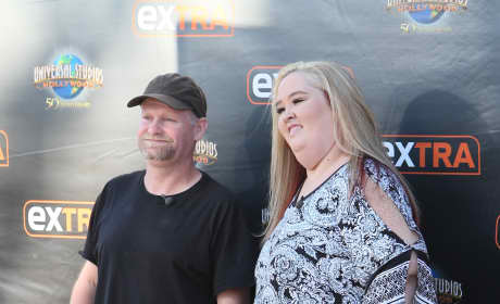 Mama June and Sugar Bear Appear On Extra
