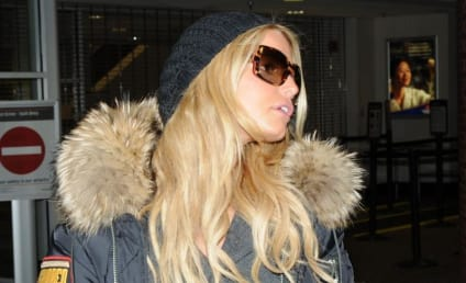 Interview with Jessica Simpson Reveals Long Tongue; Maybe Some Other Stuff