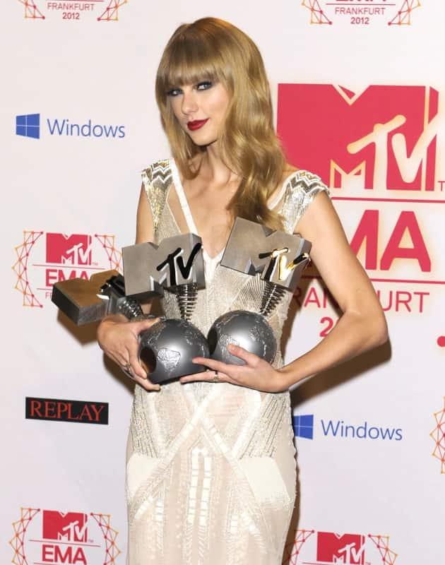 Taylor Swift at the EMAs