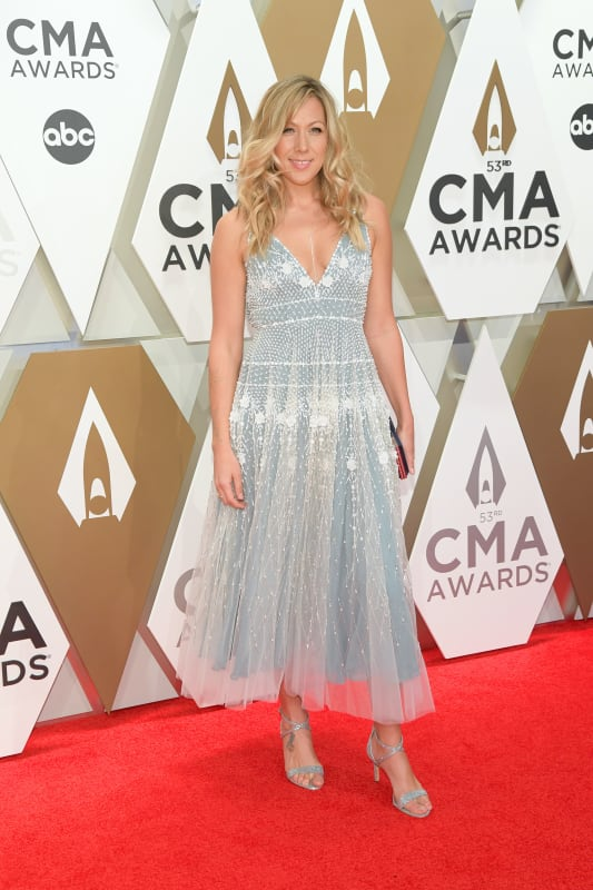 Colbie caillat at 2019 cmas