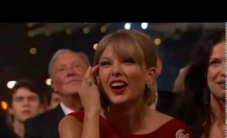 Taylor Swift Wins Pinnacle Award