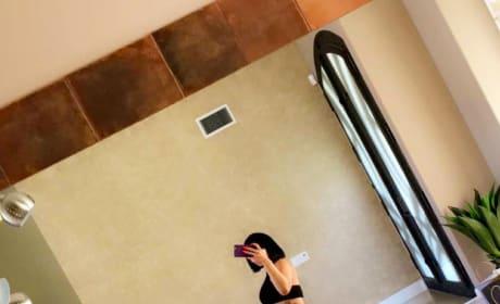 Blac Chyna Takes Bathroom Selfie Of Her Baby Bump