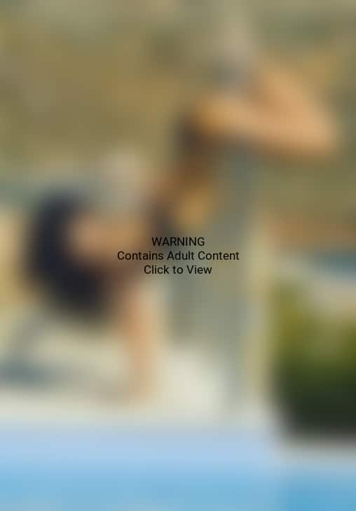 Rihanna Twerking Pic